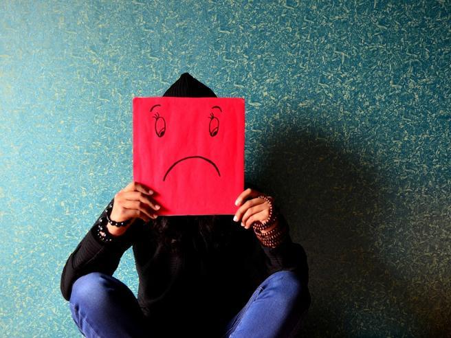 Sembrano disturbi e malattie ma è solo... Stress: 10 sintomi a cui non penseresti mai