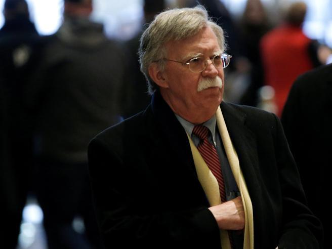 Chi è John Bolton, il super falco dell'era Bush