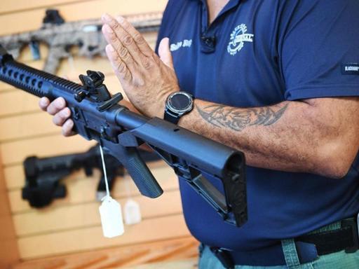 Dopo la sparatoria in Florida YouTube vieta  i video sulle armi