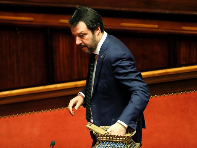 Salvini: Berlusconi? Ora avanti lo stessoL'ira del Cavaliere: «Si è montato la testa»