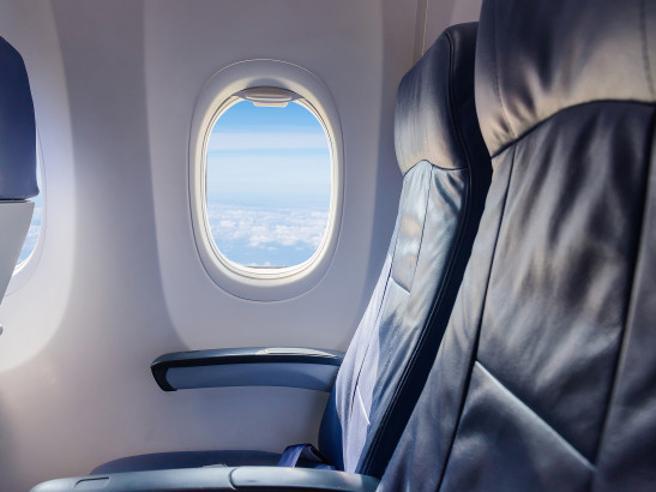 Cibo, riposo, sicurezza: i sedili dell'aereo adatti a ogni tipo di esigenza