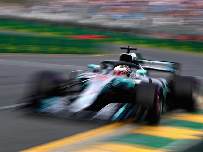 Gp d'Australia, Hamilton in pole davanti a Raikkonen e Vettel