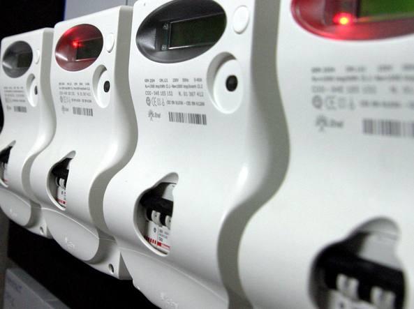 Cala il prezzo di luce e gas, ma le bollette aumenteranno
