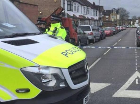 Londra, due sparatorie nella notte: morta una 17enne, grave un 16enne