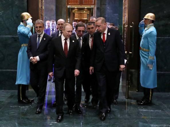 Putin incontra Erdogan ad Ankara: i leader parlano di Siria e missili