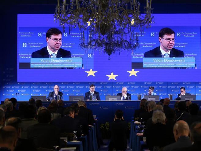 Cernobbio: «Un governo centrodestra e Pd».Quei timori sui Cinque Stelle
