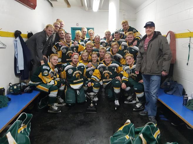 Canada in lutto per i Broncos jr:  Tir uccide metà squadra di hockey