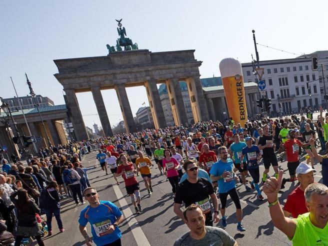 Volevano colpire alla  maratona di Berlino Sei fermati, «legami con Amri»