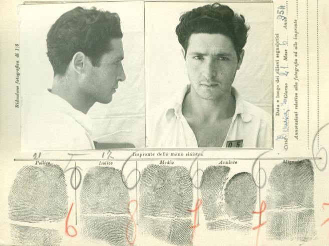 Togliatti, Mussolini, le Br e Riina La storia nelle foto segnaletiche