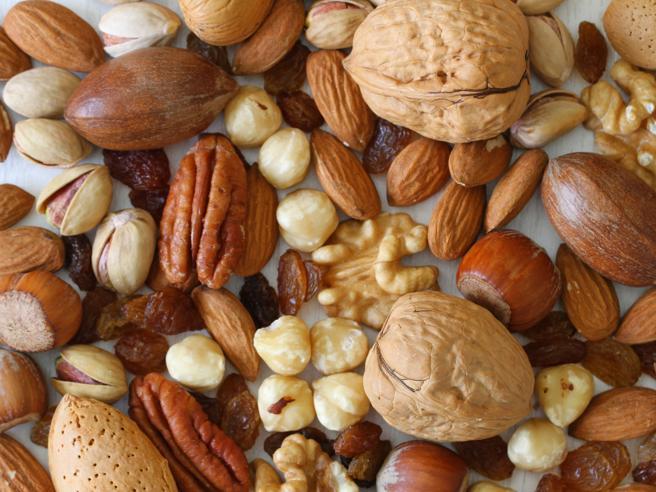Consumi: in Italia è boom di noci, pistacchi e mandorle con +10%