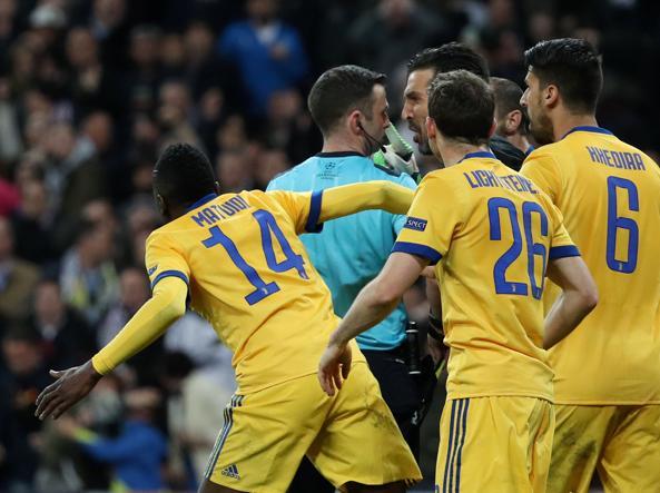 Champions, Del Piero bacchetta Buffon sulle parole all'arbitro