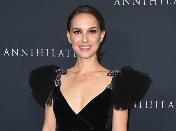 Natalie Portman rifiuta il Premio Genesis in Israele.
