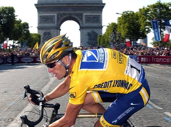 Doping, Armstrong paga 5 milioni e chiude il processo negli Usa