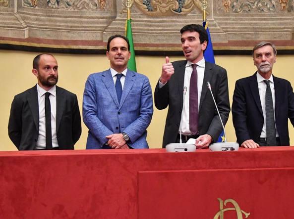 Il segretario reggente dem, Maurizio Martina, il presidente Matteo Orfini, e i capigruppo del Senato e della Camera, Andrea Marcucci e Graziano Delrio (Ansa)