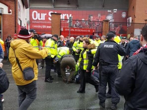 Incidenti Liverpoool-Roma, incriminati due tifosi giallorossi. Cade accusa di tentato omicidio