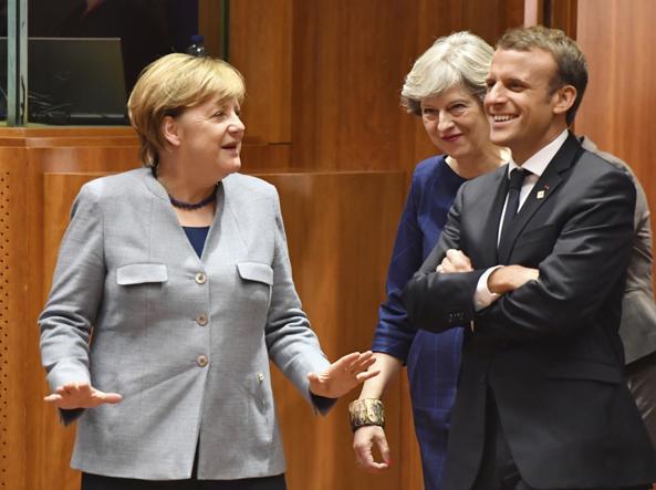 Da sinistra la Cancelliera tedesca Angela Merkel, la premier britannica Theresa May e il presidente francese Emmanuel Macron