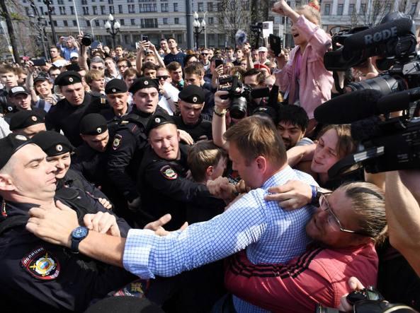 Russia, proteste anti-Putin: