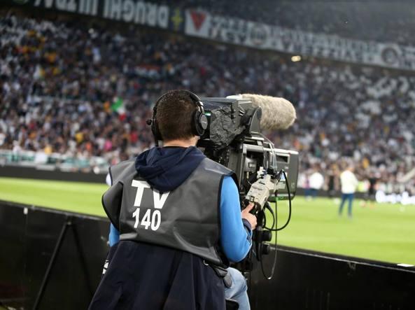 Diritti televisivi: la Lega di Serie A diffida Mediapro, rispetti impegni