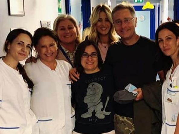Elena Santarelli in ospedale con Paolo Bonolis: