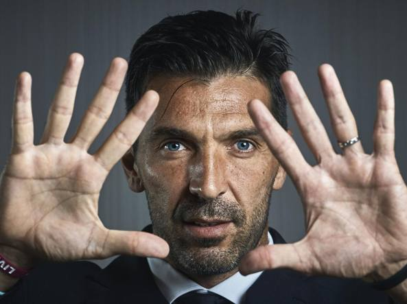 Juventus, l'addio di Gianluigi Buffon al calcio giocato