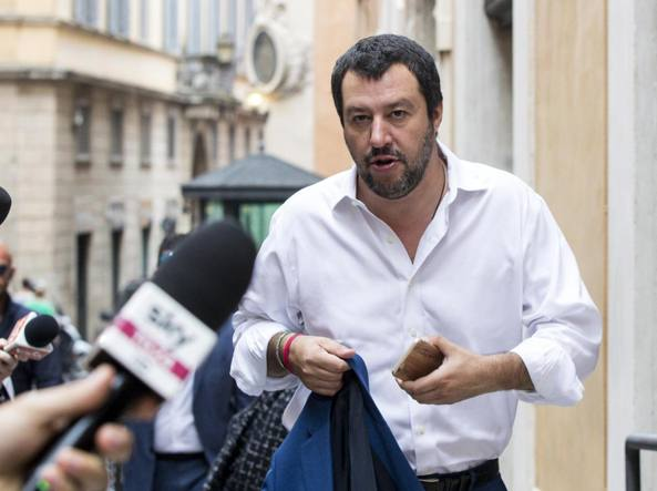 POZZALLO - Il ministro dell´interno Salvini all´hot spot di Pozzallo: