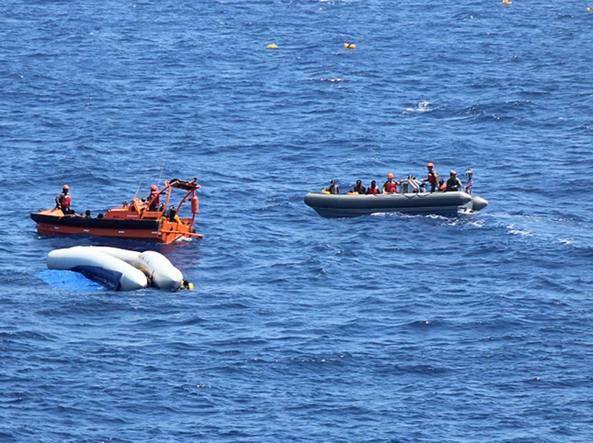 Mancano celle frigorifere su nave di soccorso: 12 corpi abbandonati in mare