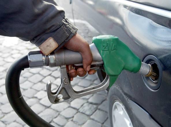 Benzina e diesel, ribassi Eni