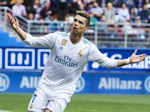 Cristiano Ronaldo 33 anni