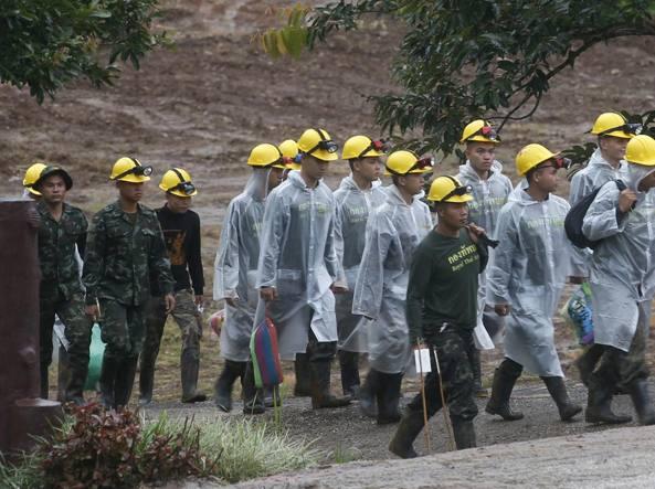 Thailandia, riprendono i soccorsi: