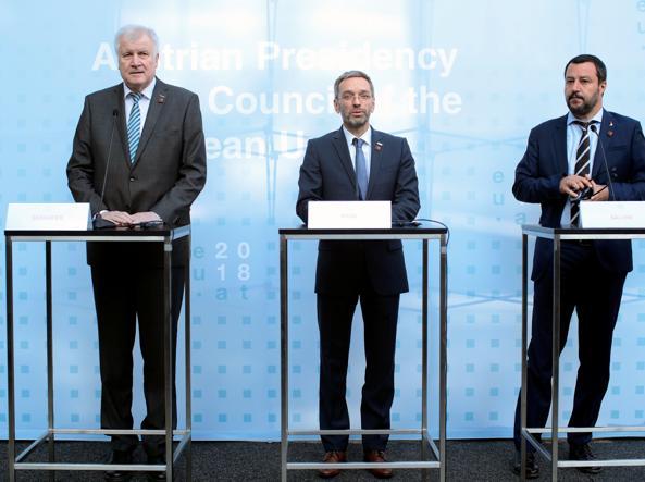 Accordo tra Italia, Germania e Austria per fermare gli sbarchi