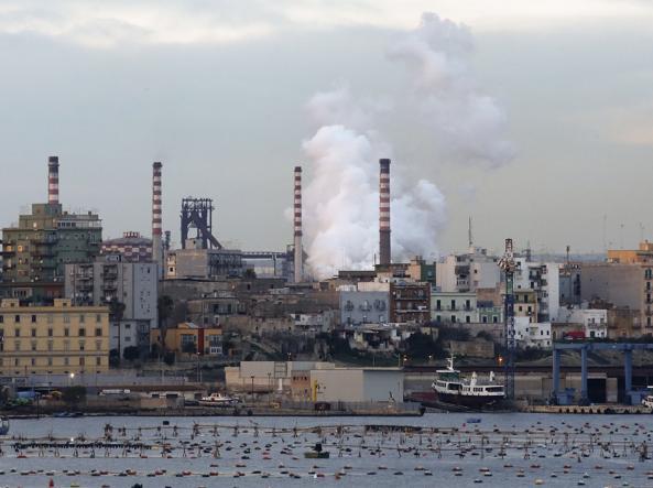 Ilva, ArcelorMittal: miglioreremo il piano. Successo del vicepremier Di Maio