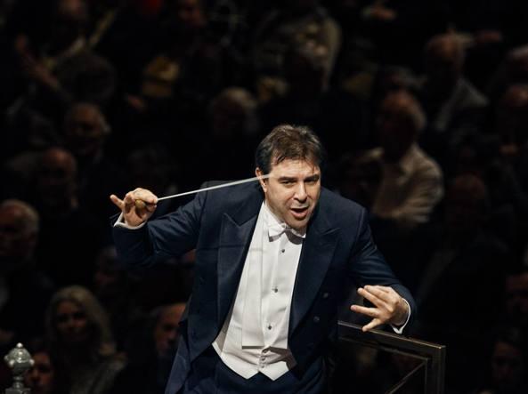 Molestie: licenziato il Maestro Daniele Gatti