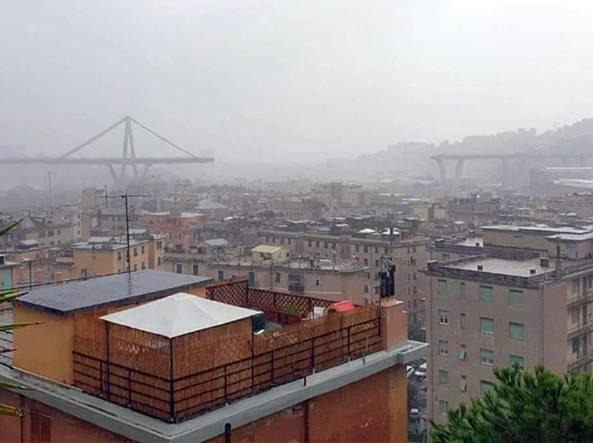 Genova. Crollo viadotto A10: si scava ancora, rimosso camion simbolo