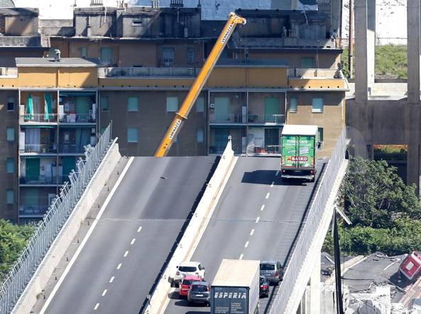 Crollo ponte Morandi, Viale: