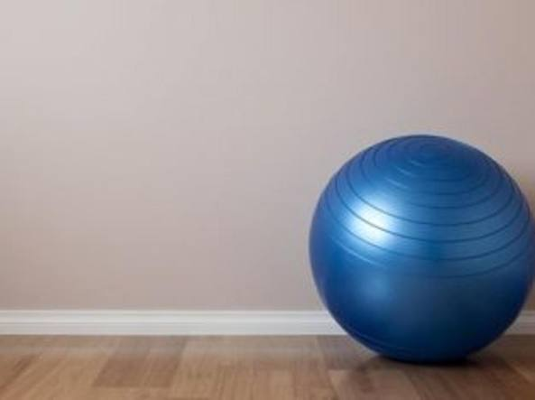 Medico uccide moglie e figlia con una palla da yoga