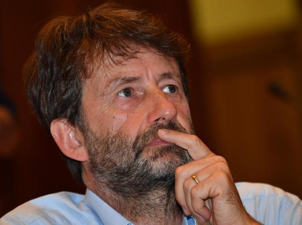 Pd, Renzi: non mi candiderò a primarie, stop a fuoco amico