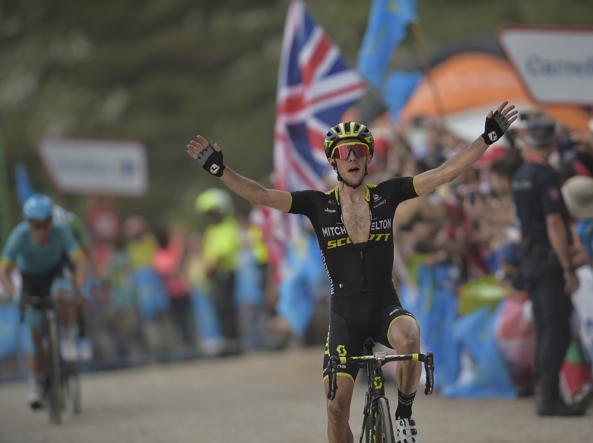 Vuelta Espana, Pinot conquista i Laghi di Covadonga, scintille Yates - Quintana