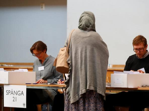 Elezioni Svezia, l'ultradestra xenofoba vola al 17.7%. Socialdemocratici aprono a centrodestra:…