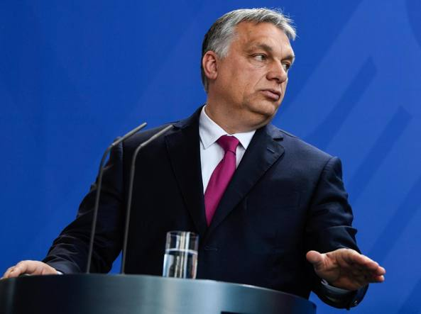 Il Parlamento Ue approva la procedura contro Orban