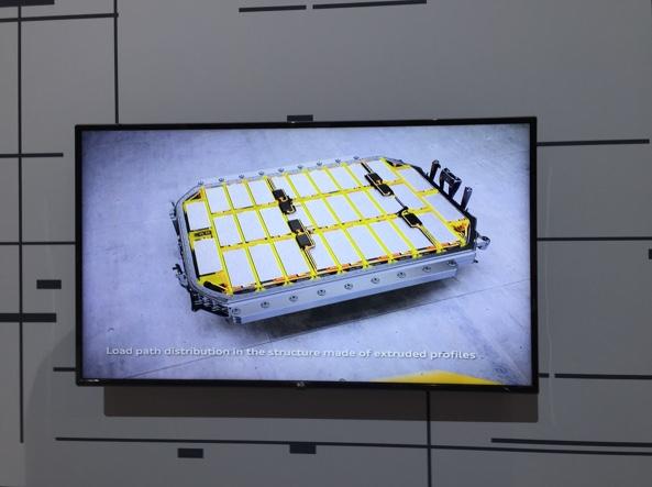 L'alloggiamento per le batterie agli ioni di Litio  nella Audi e-tron