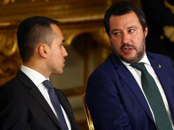 Manovra Finanziaria 2019, coperture reddito di cittadinanza: scontro Salvini - Di Maio