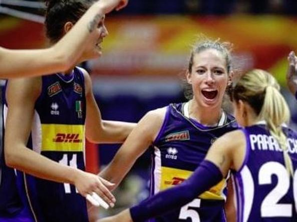 Le azzurre del volley rullo compressore