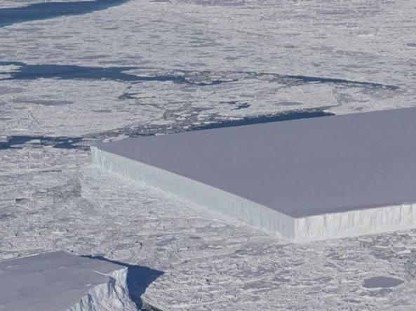 'Antartide, il video dell'iceberg squadrato che ha stupito il il mondo