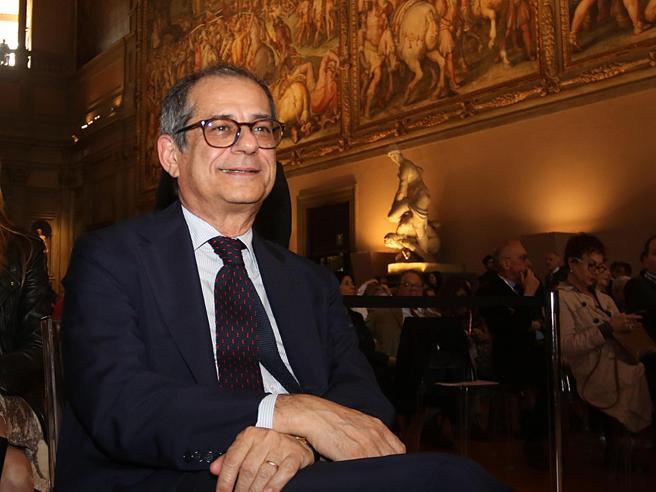 Manovra, Tria sta con Draghi: