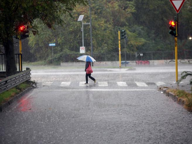Maltempo, lunedì 29 ottobre scuole chiuse a Fiumicino