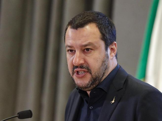 Desirée, scontro Lerner-Salvini sui social
