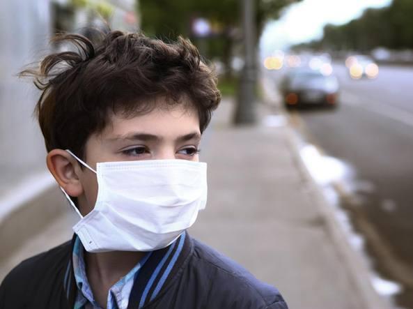 Nove bambini su dieci respirano aria inquinata: Italia tra i Paesi peggiori