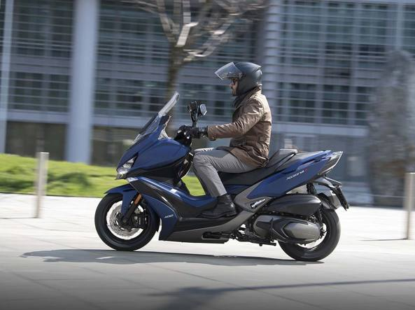 Kymco Xciting 400 S: «piccolo» a chi?