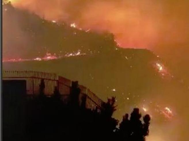 California devastata dagli incendi: 25 morti e 110 dispersi
