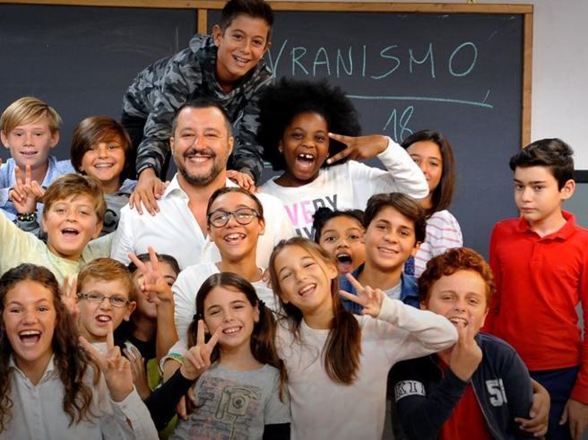 Salvini intervistato dai bambini